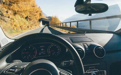 La voiture : l'incontournable moyen de transport en région